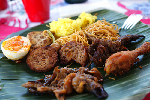 kevinEats' Plate of Indonesian Goodness
