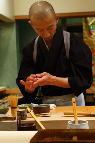 Hiro-san Making Toro Nigiri