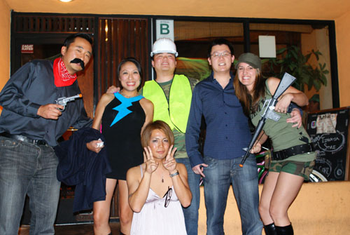 Musha Group Photo with Cross-Dressing Server
