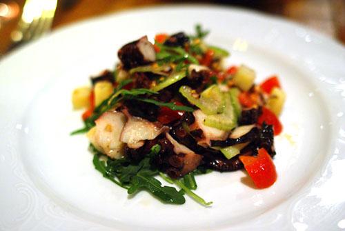 Insalatina di Polipo con Patate, Pomodorini e Sedano Croccante