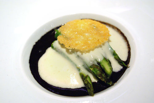 SCALLOP AND MELANO SPORUM TRUFFLE: Pascaline, Green Asparagus, Parmesan Mousse