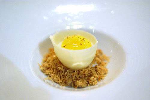 EGGS-CEPTIONAL LEMON MERINGUE