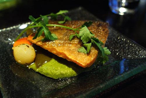 Trucha Alpina a la Plancha en Mole Verde de Cacahuate Estilio Pánuco
