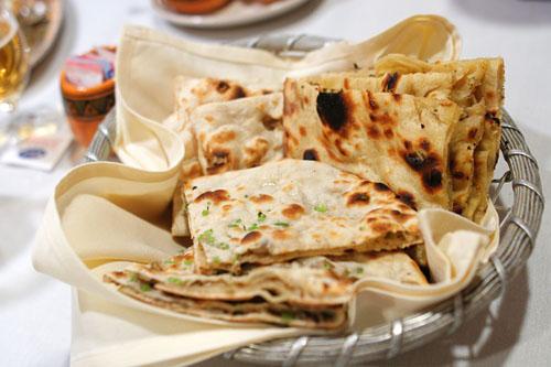 Naan, Lachna Parantha, Onion Kulcha