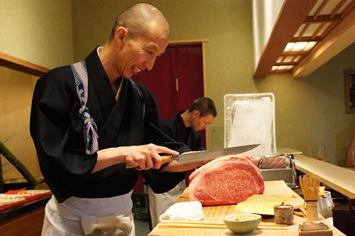 Cutting Kobe Beef