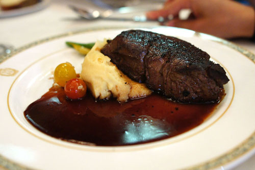 Pan Seared Chateaubriand, Yukon Gold Potato Puree, Cabernet Demi-Glace