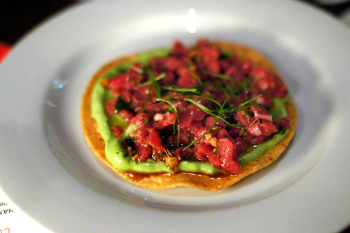 Steak tartar tostada