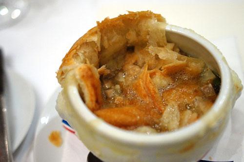 soupe aux truffe noire v. g. e. (plat crée pour l'elysée en 1975)