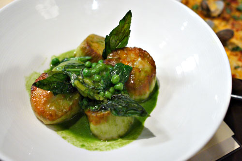 Maine Scallops, English Pea Ravioli, Lemon Marmalade