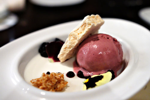 Coconut Crème, Blackberry Parfait, Blackberries