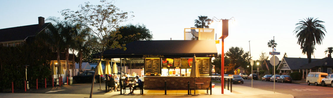 Bruxie Exterior
