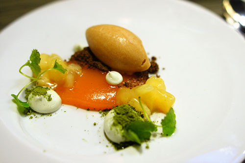 Apricot, buckwheat, brown butter, quince, green tea
