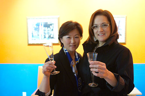 Lorie Kim, Victoria Parr