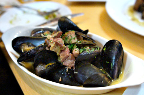 Carlsbad Mussels, Smoky Bacon