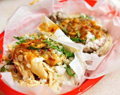 Pollo y Sesos Tacos