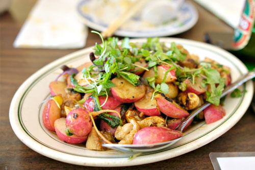 Stir-Fried Pork Jowl and Radishes