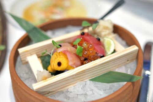 Chirashi Sushi, Blue Fin Tuna, Hamachi, Salmon Pearls, Uni