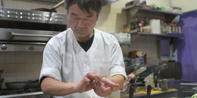 Yama-san Making Sushi