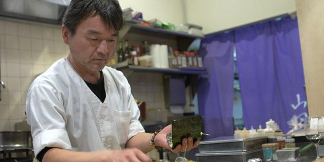 Yama-san Making Hand Rolls