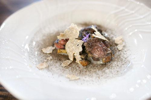 Insalata di funghi, tartufo e midollo