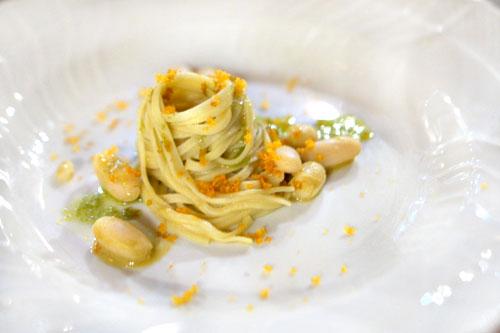Spaghetti cozze, bottarga e fagioli