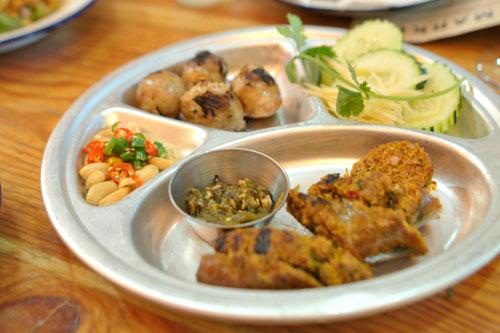 sai uah | chiengrai herb sausage & sai krok isaan | isaan sour sausage