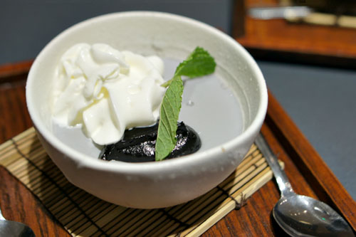 Black Sesame Pudding with Whipped Cream