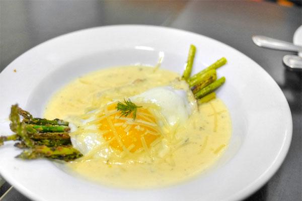 Fried Egg & Grilled Asparagus