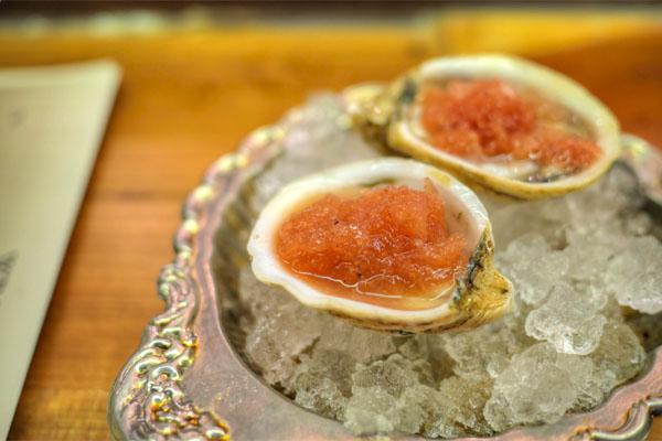 Kusshi Oysters, Horseradish & Tomato Vinegar Granita