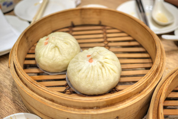 #82 - Vegetable and Ground Pork Buns (2 pcs)