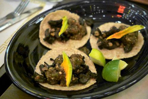 Hongos y Huitlacoche Tacos