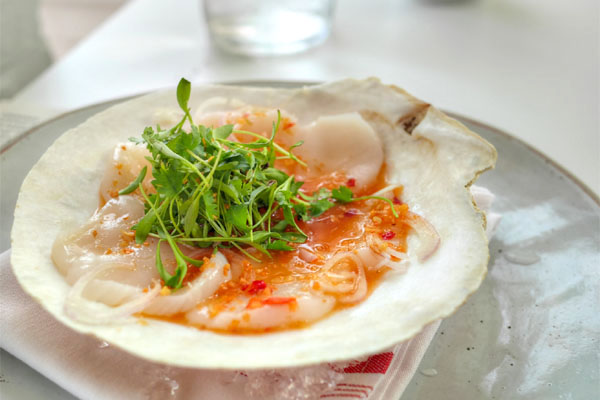 Phla Hoi Chell / Sliced Raw Scallops