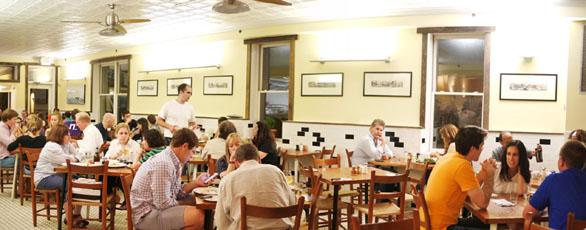 2Amys Interior: Dining Room