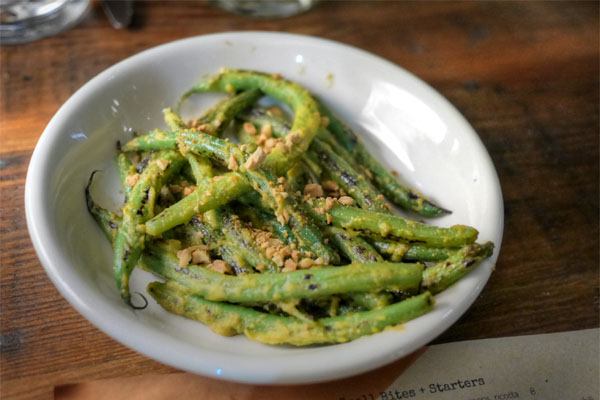 'Panang' sautéed Blue Lake beans, roasted peanuts