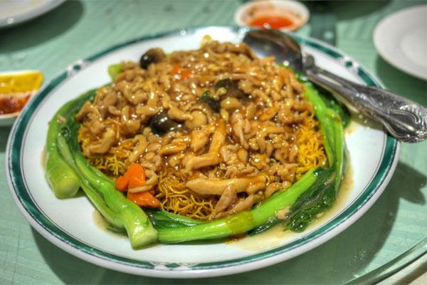Rice Noodles Dry Stir Fried w/ Beef