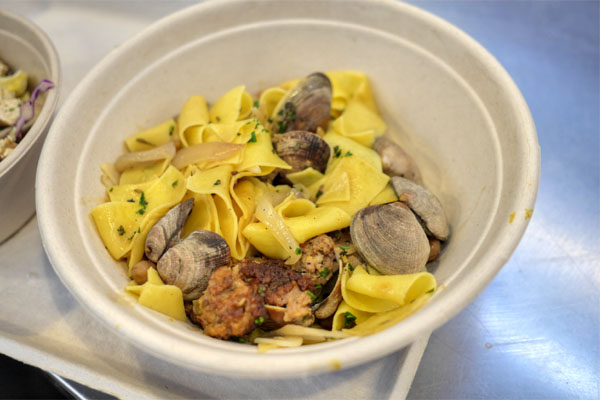Steamed Clams & Pork Sausage