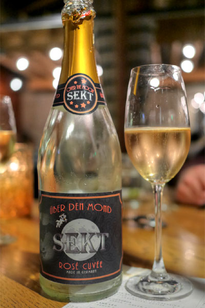 Pinot Noir/Riesling NV Over the Moon Rose Sekt