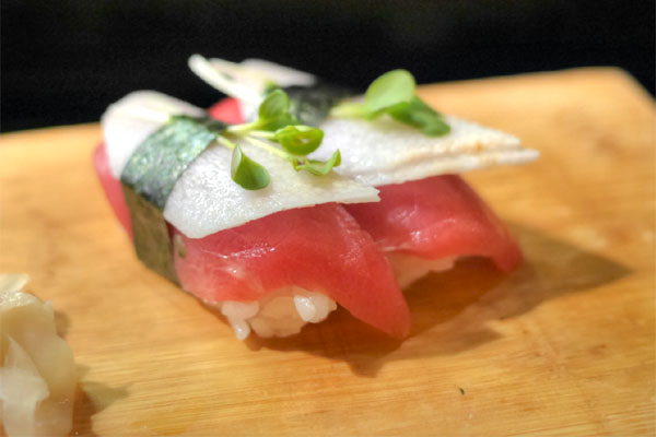 Maguro-Yamaimo Sushi