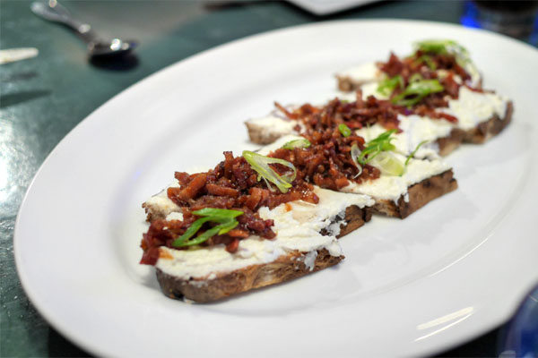 Warm goat cheese Tartine / sourdough toast, bacon vinaigrette