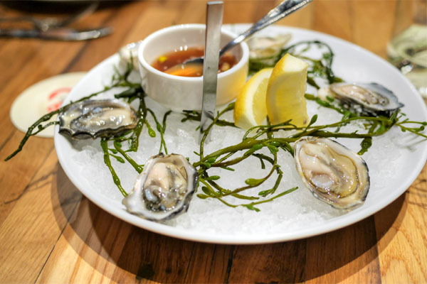 oysters, lemon, bread & butter mignonette - 6