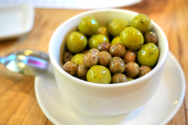 arbequena olives & manzanilla olives