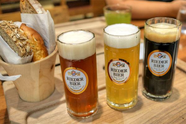 Rieder Dunkle Weisse / Rieder Helle Weisse / BierBeisl House Bier