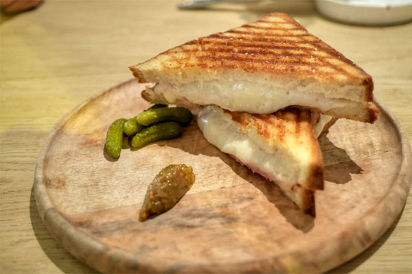 grilled cheese: reading, provolone DOP, reggiano, & bechamel + add ham
