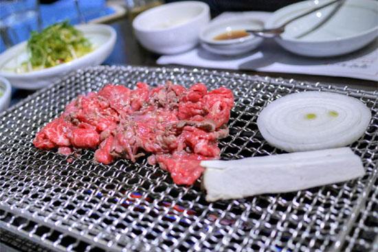 Gwang Yang Bulgogi - Gangnam Style: Cooking