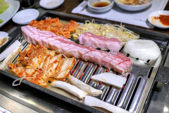 Buljip Saeng Samgyeopsal: On Grill