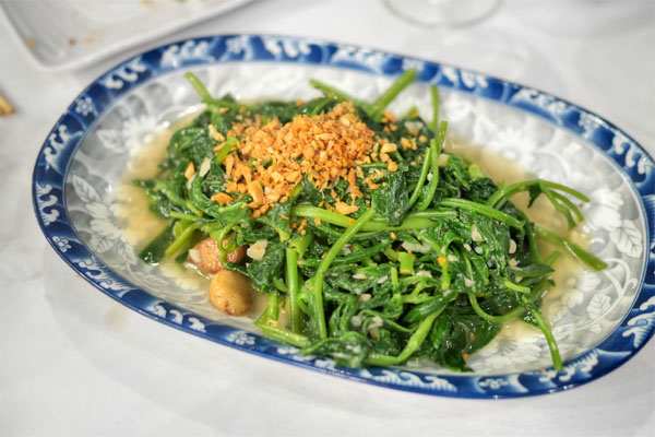 Rau Muong Xao Toi - Stir Fried Ong Choy with Garlic