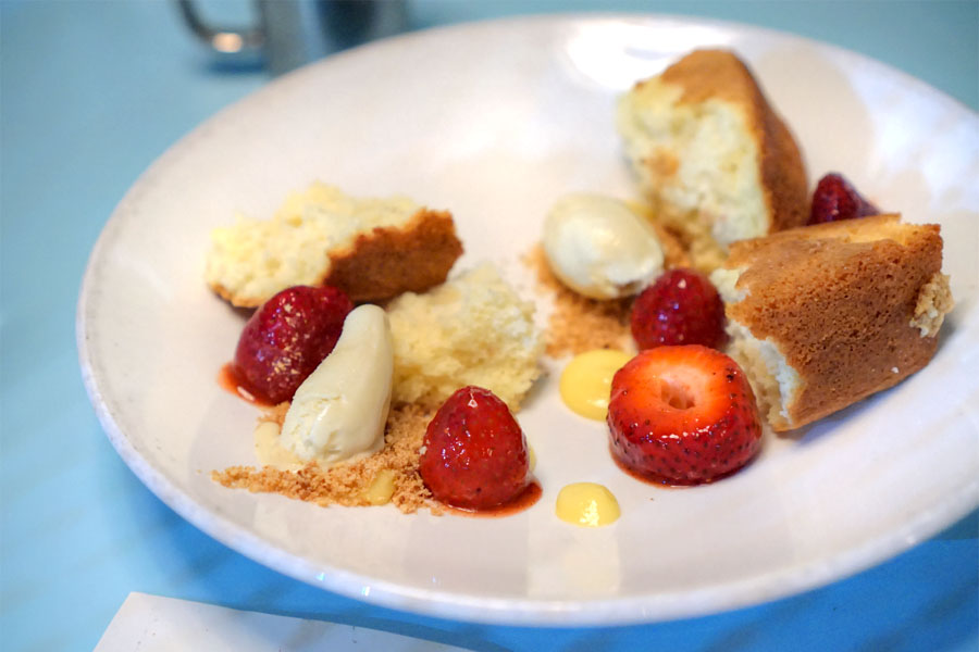 strawberry, almond & chamomile shortcake