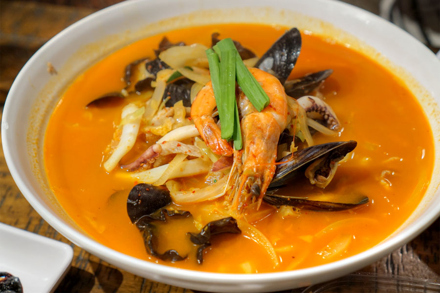 Spicy Seafood Soup Noodles