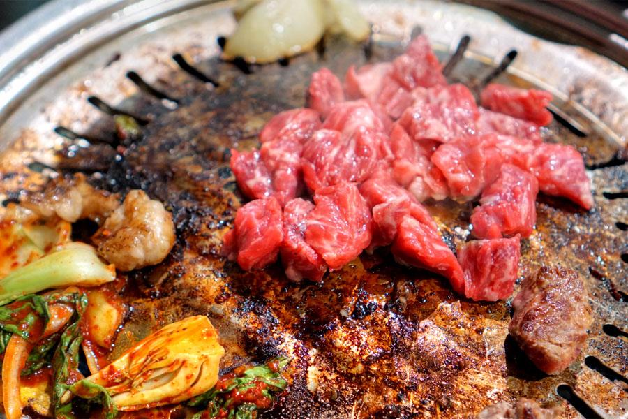 Boneless beef meat