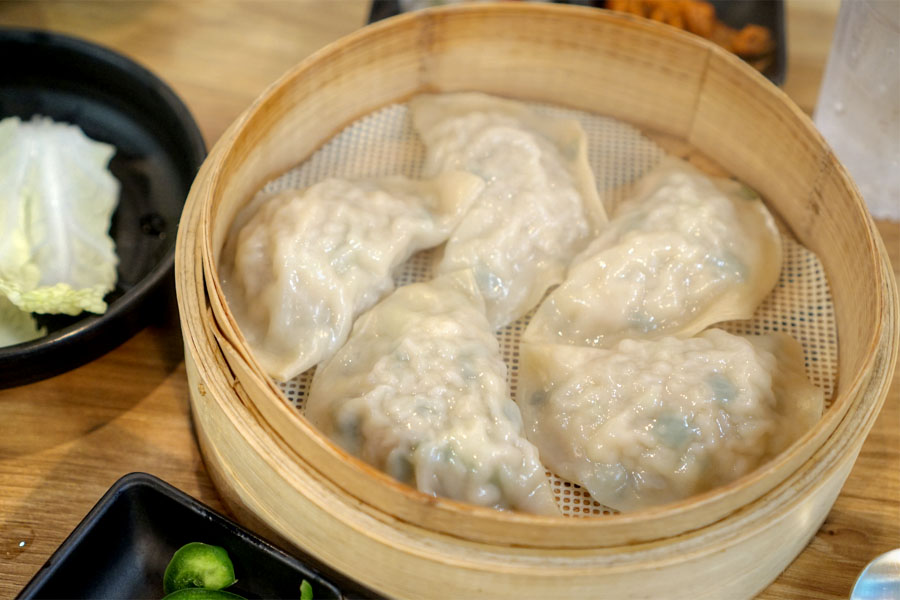 Handmade steamed dumpling (Pork)